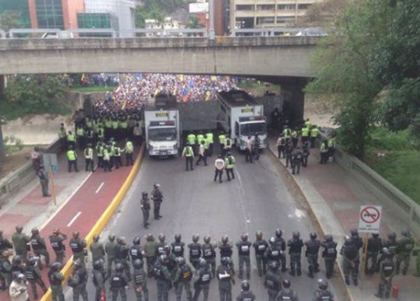Think Venezuela Won't Happen In America? Guess Again! Food Shortages, Mass Death, Coming To A City Near You!