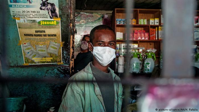 "Round Two: ""Black Death"" Highly Contagious Plague Killing People In Africa… Here's What's Going Down"