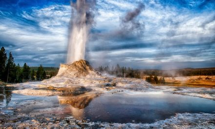 Is The Yellowstone Supervolcano Close To Erupting?? You Might Be Surprised!