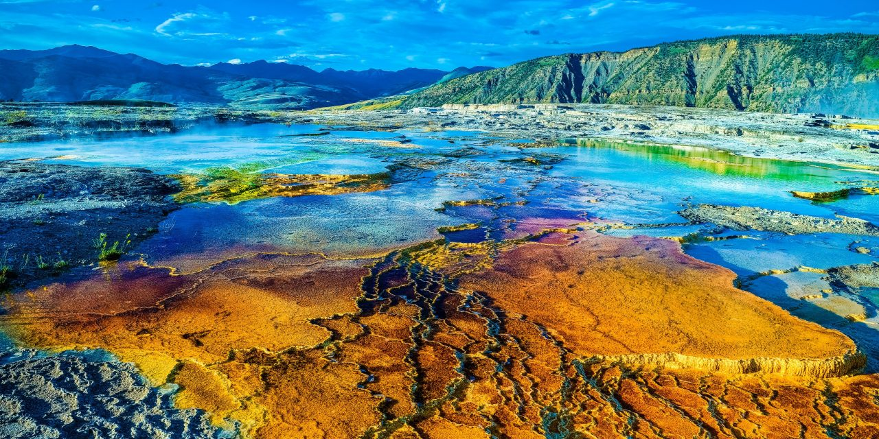 Yellowstone, Pole Shift and Quakes to Rip The Guts Out Of The USA? What's Going On? The Link!