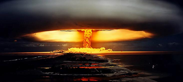 """Bang! Trump Hints at WWIII """"Never Threaten US Or Else…"""" Tensions Explode!"""