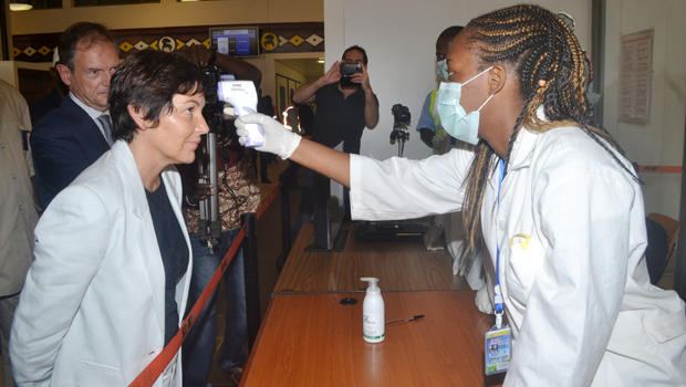 Wait?! Why Are People Being Screened For Ebola In US Airports?? Do They Know Something We Don't?